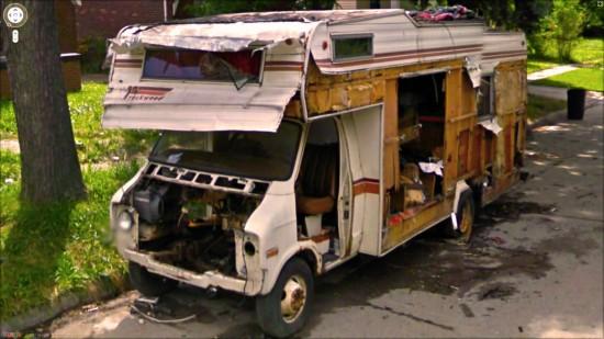 50 clich s insolites sur google street view blog du for Camping car de luxe avec piscine