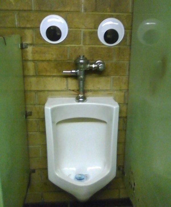 toilettes-yeux