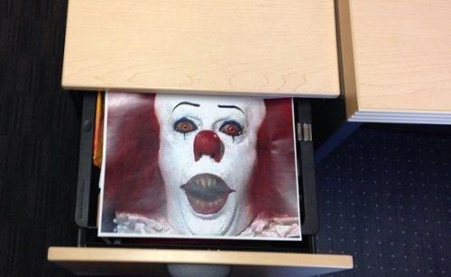 Halloween   15 blagues faire peur collègues