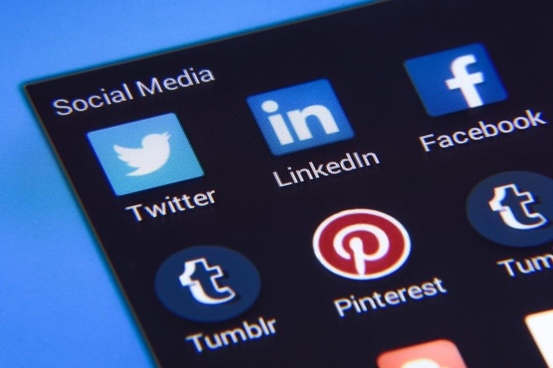 Haut Pinterest : 150 millions d'utilisateurs et une très forte  IZ73