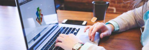 10 offres d'emploi web   community manager  chef projet  DA  expert SEO SEA…