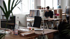 10 offres de stage : assistant marketing, développeur, community manager…