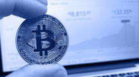 Facebook interdit les publicités liées aux options binaires, aux ICO, aux Bitcoins et autres cryptomonnaies