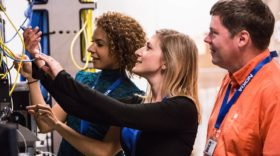 Nokia recrute 300 ingénieurs en France pour développer la 5G