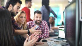 Focus sur des profils très courtisés par les recruteurs : les métiers du numérique, de l'IT et les commerciaux