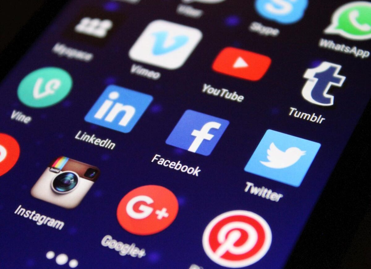 Guide 2020 : la taille des images sur Facebook, Twitter, Instagram, YouTube, LinkedIn... - BDM