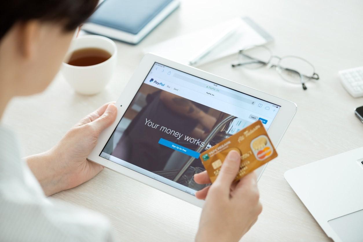 Mastercard impose une notification obligatoire avant le prélèvement automatique — Essai gratuit