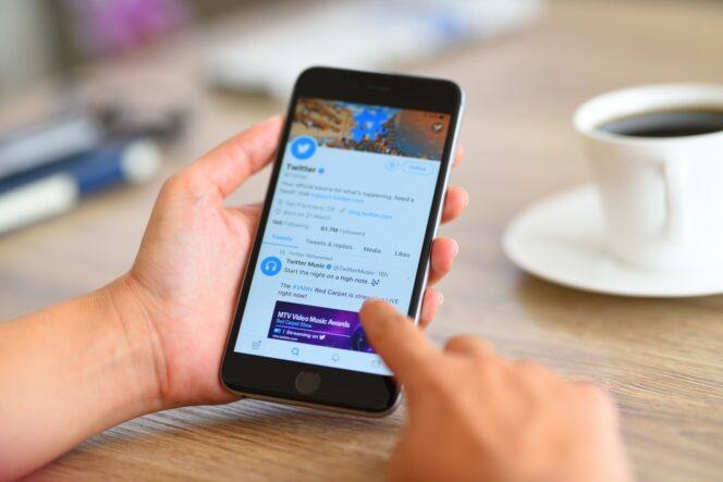 Twitter : il sera possible de s'abonner à des centres d'intérêt et plus uniquement à des comptes