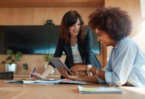 Femmes entrepreneures dans le digital: enjeux, défis et success stories