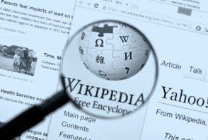 Wikipédia lance un service payant pour les entreprises, les géants de la tech dans le viseur