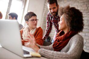 Les avantages de se reconvertir dans les métiers du digital et de la tech