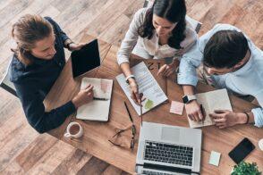 Responsable marketing digital: un métier transverse pour développer la visibilité d'une marque