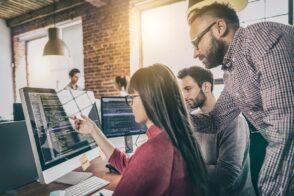 Se reconvertir comme ingénieur Java full stack DevOps : avantages, missions et opportunités
